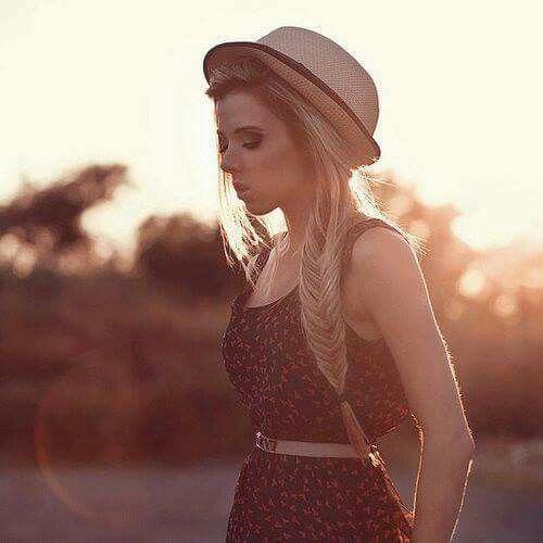 Non è vero che certe persone le hai dimenticate,ti sei solo abituato alla loro assenza!