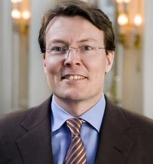 n the summer of 2003 the prince began working for the Dutch ministry of Foreign Affairs as 'advisor on European Communications'. In this function, Constantijn specialised in 'communication strategies' with the stated aim of getting the Dutch behind further 'European cooperation'. The prince obviously wasn't very successful as the Dutch convincingly rejected the European Constitution in 2005. After the young prince checked out of the office of the Dutch European Commissioner he checked into a…