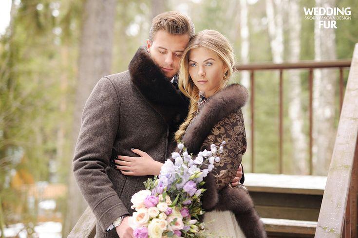 Свадьба в русском народном стиле: меховой шарф из норки и платок с оторочкой из песца