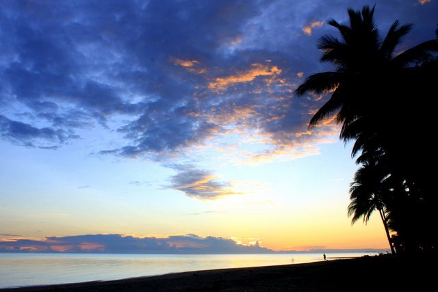 sunrise on 4 mile beach by Lucy-W, via Flickr