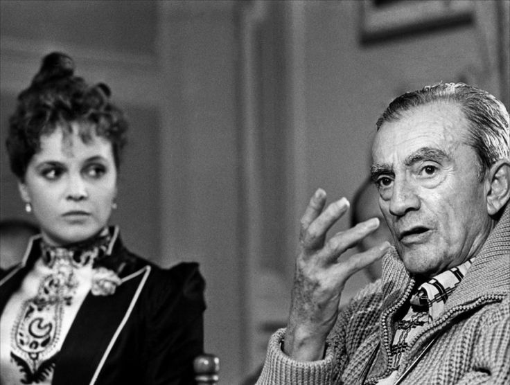 Laura Antonelli with Visconti during the filming of L'Innocente