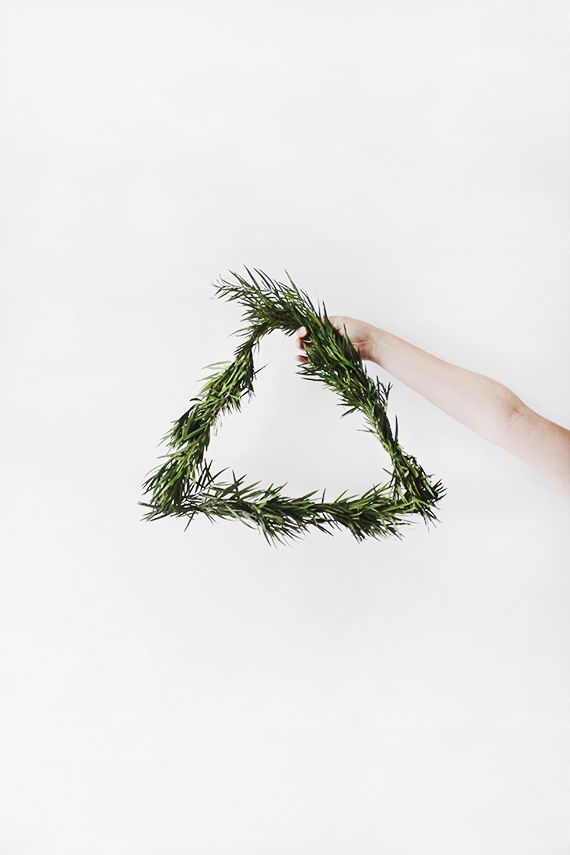 triangular wreath