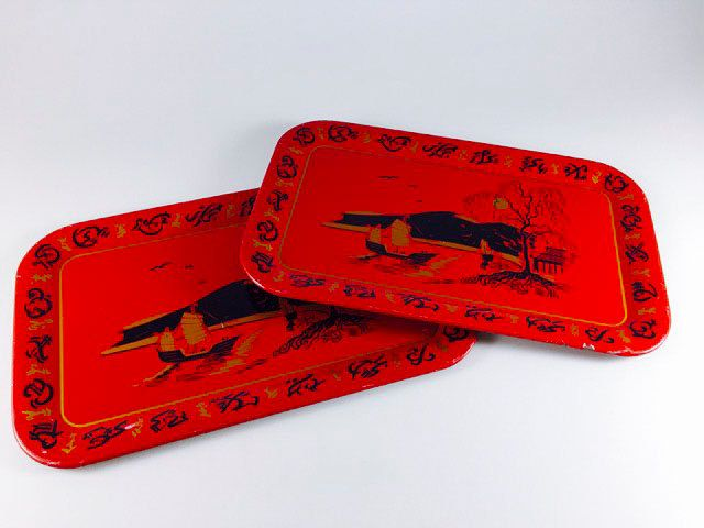 Vintage Metal Tray Red Gold Black Asian Japanese Fishing Village Pattern Retro Sushi Tray Set of 2 TV Trays Serving Platter - pinned by pin4etsy.com