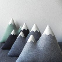 Coussin Montagne Threebadseeds