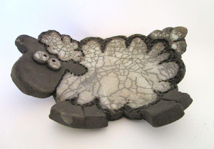 Pecorella ciotola in ceramica Raku