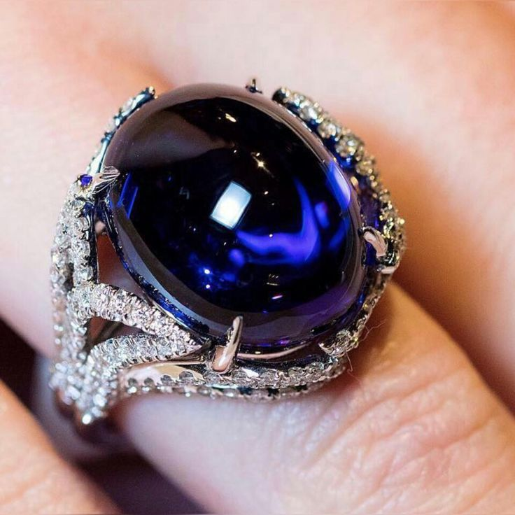 Stunning 18K white gold ring with a 24.87 cts cabochon #tanzanite and 1.60 cts #diamonds by #Takat @takatjewels discovered at #luxurybyjck @jckevents  #katerinaperezcom