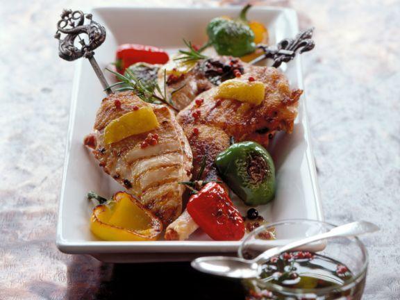 Mariniertes Hähnchen vom Grill ist ein Rezept mit frischen Zutaten aus der Kategorie Kochen. Probieren Sie dieses und weitere Rezepte von EAT SMARTER!
