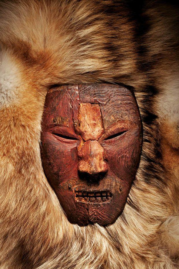 Masque amérindienDe nouveaux indices donnent à penser que les anciens Américains qui sculptèrent ce masque à l'expression féroce étaient en relation avec des Vikings.