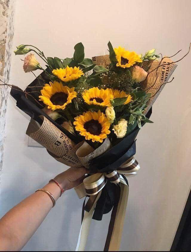 Sunflowers On Buque De Flores Floricultura Vasos De Flores