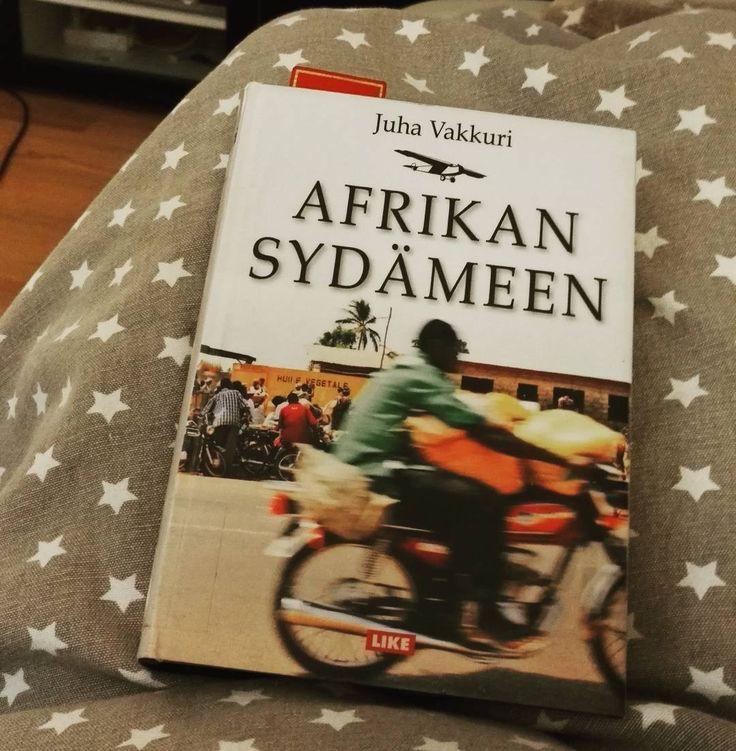 Vakkuri, Juha: Afrikan sydämeen  Kaikille, jotka ovat kiinnostuneet Keski-Afrikan historiasta ja nykytilasta