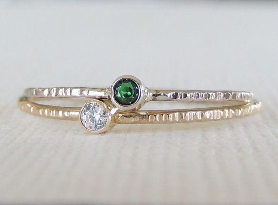 https://www.etsy.com/nl/listing/233370142/dual-birthstone-rings-stacking-ring-set
