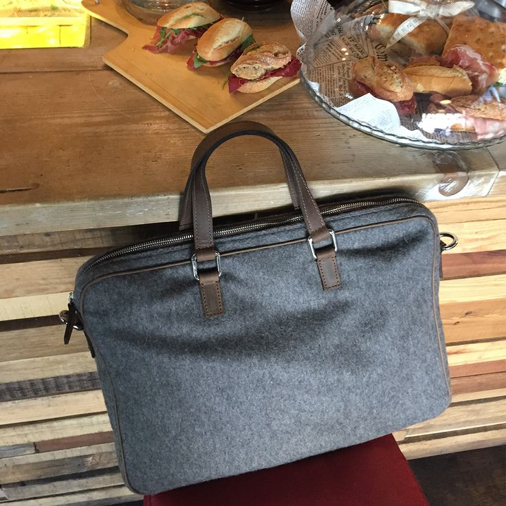Cartella Porta PC per laptop / Porta Documenti - Stile ed eleganza senza tempo! #madetobe #leather #store #wool #portapc #cartella #24ore