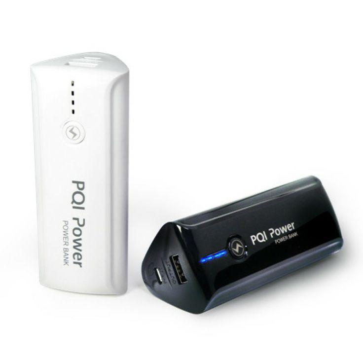 PQI Power Bank [7800mAh] - Zewnętrzny akumulatorek dla tabletów i smartfonów o pojemności 7800mAh, który skutecznie wydłuża czas użytkowania telefonu. Power Bank doskonale sprawdzi się w podróży - zapewni solidny zapas zasilania w samolocie, autokarze czy pociągu. Diody LED informują o stanie naładowania.