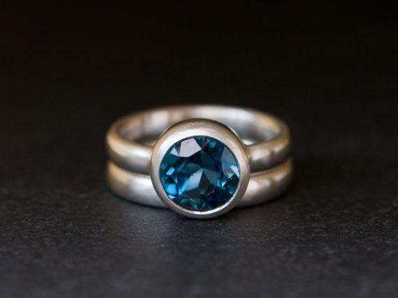 Blauer Topas Verlobungsring  London Blue Topas von williamwhite