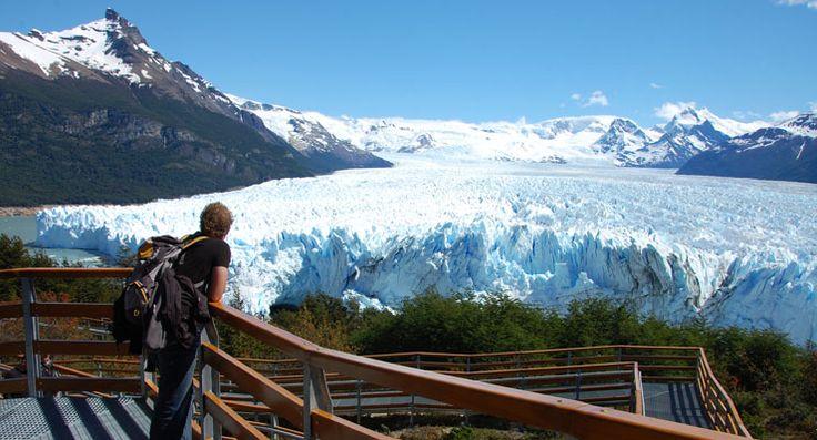 El Calafate 6 donde parten vuelos directos a las ciudades de Buenos Aires, Bariloche, Ushuaia, Puerto Madryn, Trelew y Puerto Natales, entre tantas otras.