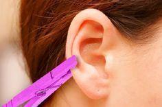 Depois de saber por que ela coloca um prendedor de roupas na orelha, você vai…