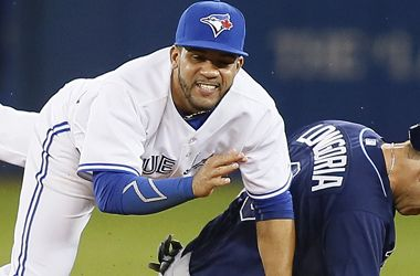 Blue Jays' new turf could hold value for MLB totals betting - 04-15-2015