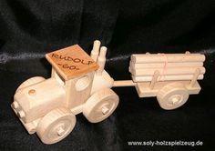 Spielzeug Kinder Traktor aus Holz mit Gravur