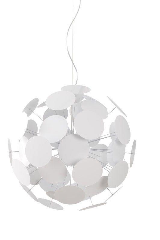 Plenty Work Pendel - Pendel i hvid metal med cirkulære flader på pinde i to forskellige størrelser. Mål: Ø. 65 cm. Total højde: 155 cm.
