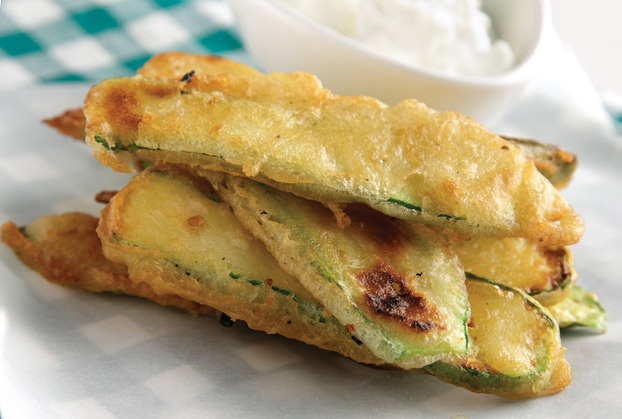 Amateur Cook Professional Eater - Greek recipes cooked again and again: Fried courgettes in batter