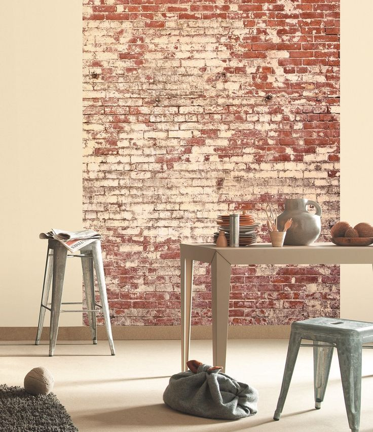 Maak een statement in je #woonkamer of #keuken met dit stoere behang! #woontrend  Uit de collectie van #Caselio Etna Deze wand is 4 m breed x 2.8 m hoog http://www.verfenwand.nl/assortiment/behang/caselio/2936