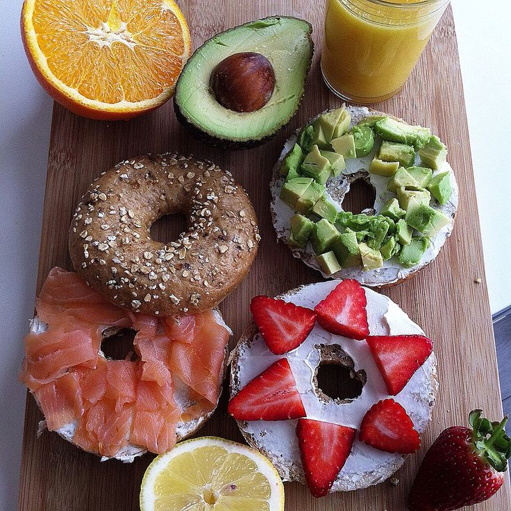#bagels #salmon #strawberry #avocado #juice #fitness