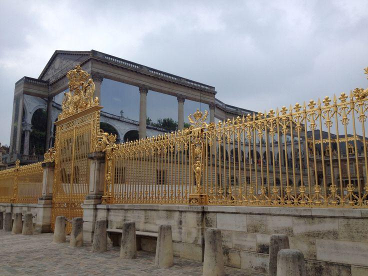 The golden gates of Château de Versailles