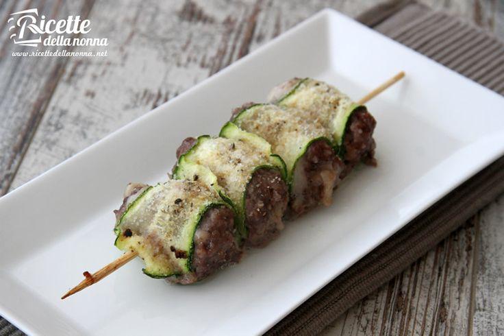 Involtini di zucchine con salsiccia - Zucchini and italian sausage rolls