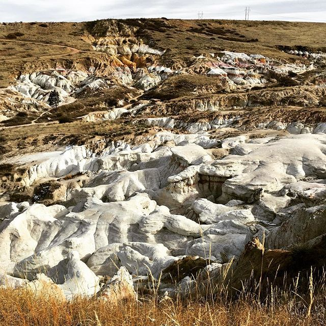 Very unusual rock formations at this park, east of Colorado Springs - http://geeksjourney.com/very-unusual-rock-formations-at-this-park-east-of-colorado-springs #Paintmines