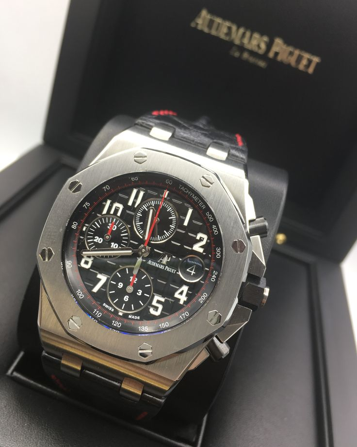 Audemars piguet royal oak offshore 39 vampire 39 26470st oo audemars piguet for Royal oak offshore vampire