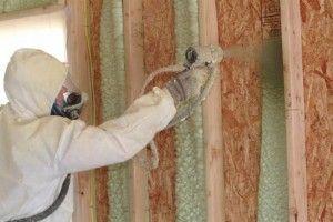 Utilisez un isolant en mousse de pulvérisation