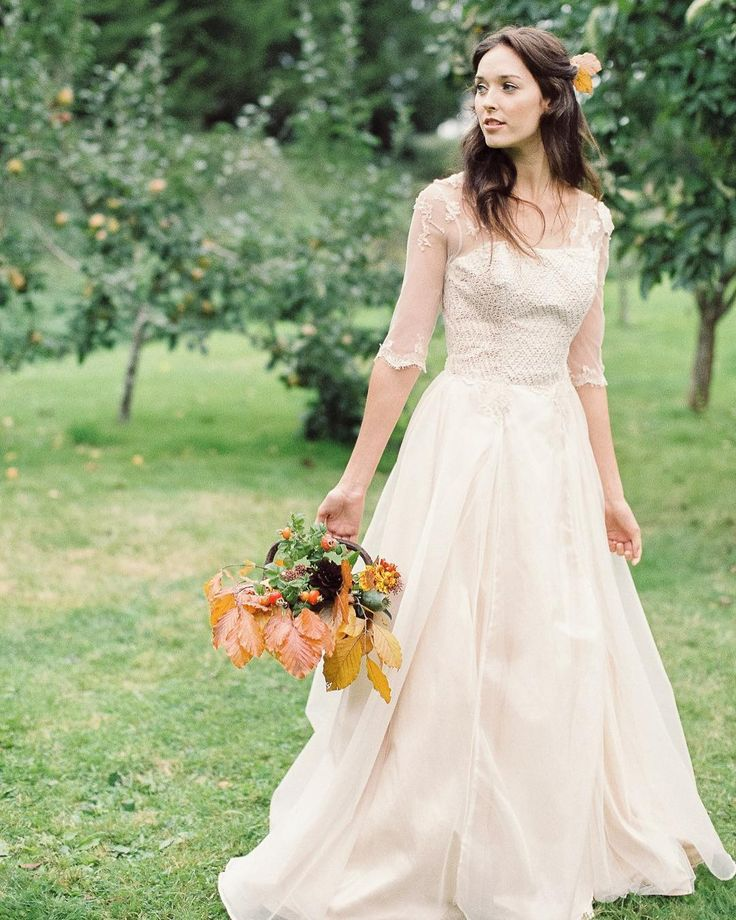 Feeling all Autumnal this morning. Love this shot by @bowtieandbellephotography - thanks to @brambleandwild @jessturnerdesigns @victoriafergussonaccessories and @victoriafergussonaccessories for bringing the look together for the @fineartweddingboutique Autumn lookbook - full feature over on @lovemydress