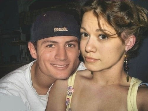 James Lafferty & Bethany Joy Galeotti... Part of me wishes they were married in real life. #Naley #OTH