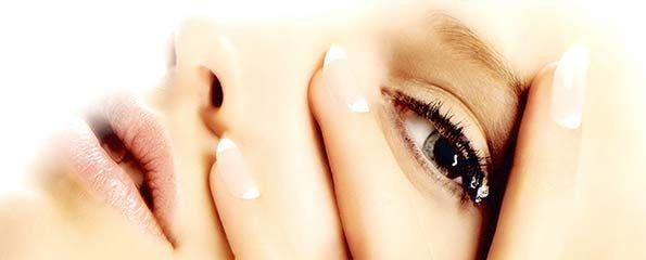 --      ASTUCES BELLE PEAU      --  Astuces et conseils pour avoir une belle peau au naturel. Masque hydratant spécial peau sèche : Mélangez deux cuillères à soupe de crème fraîche avec un blanc d'œuf, A appliquer sur l'ensemble du visage et du cou, laissez poser 10 minutes, 15 pour un effet optimal puis rincez le tout à l'eau froide. LA SUITE : http://www.astussima.com/astuces-belle-peau.html