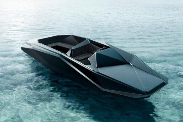 Le marchand d'art américain Kenny Schachter a commandé à l'architecte star Zaha Hadid la création d'un bateau de 8 mètres, nommé le « Z Boat » qui sera édité en édition limitée de 12 exemplaires et disponibles en 2013.