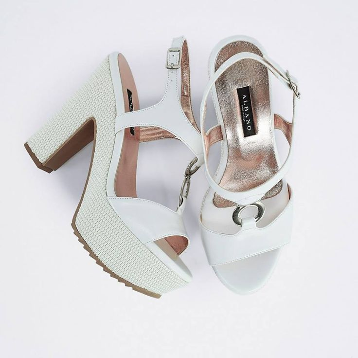 Romantiche e comode, perfette per ogni occasione!  Scopri il sandalo #Albano su ➡️ RicciShop.it ・・・ #sale #saleoff #albanoshoes #madeinitaly #handmade #glamour #shoes #tacchi #heels #loveshoes #newcollection #womanshoes #love #fashionshoes #luxuryshoes #luxuryshops #summer2017 #shopping #shoponline #riccishop