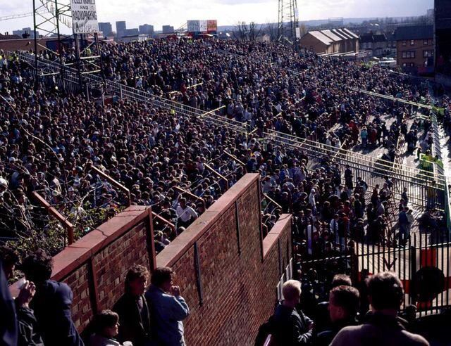 Holmesdale End terraces of Selhurst Park early 90's #CPFC #CrystalPalace