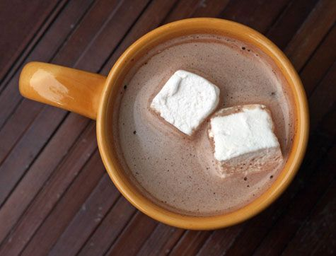 homemade marshmallows are exponentially more delicious than jet-puff. time for another bonfire, je pense.