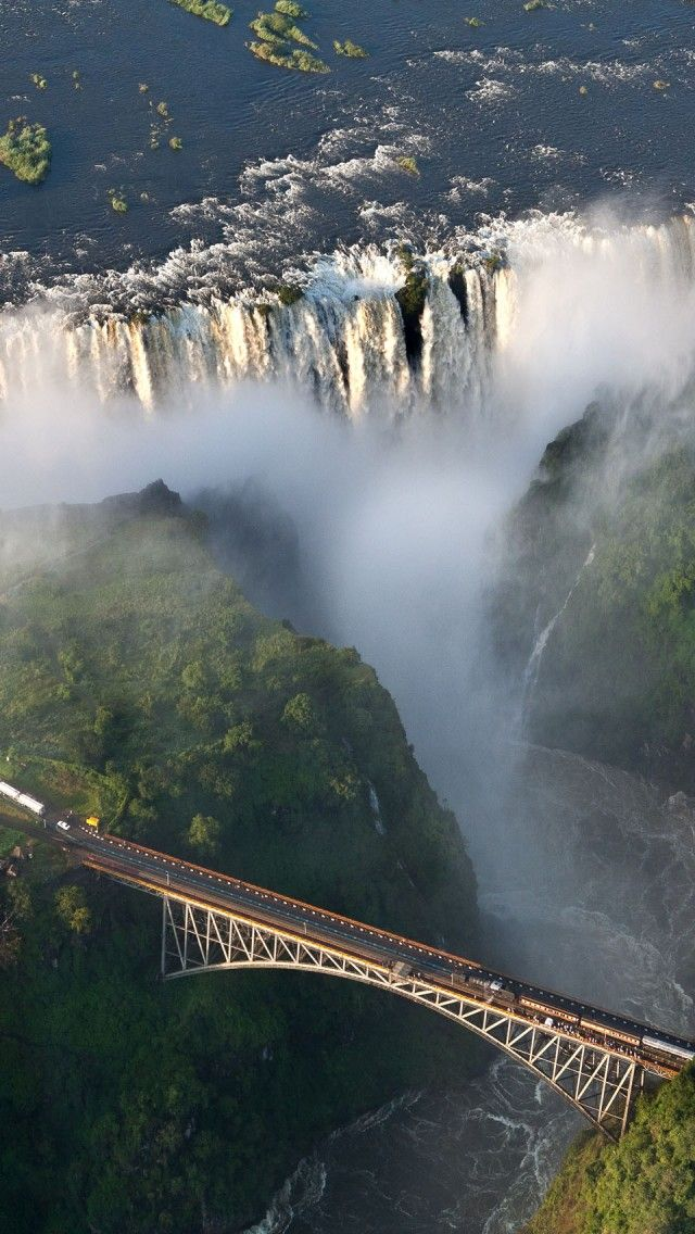Victoria Falls on the Zambezi River in Zimbabwe. Because Zimbabwe is located on high plateaus, there are many cataracts in the rivers.