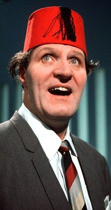 Love this beautiful pic of the late, great Tommy Cooper