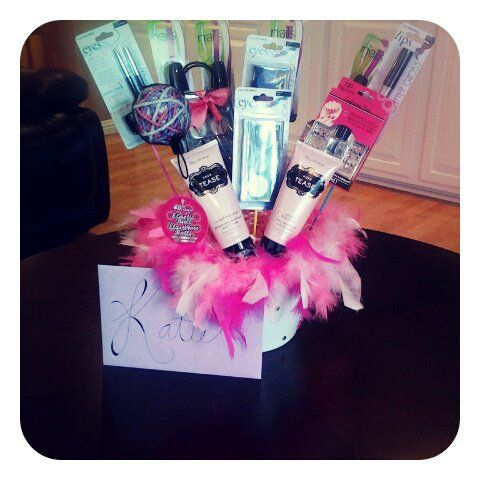 Made This Make Up Gift Basket For 12 Year Old Girl 25Hmmmm Birthday Idea I Agree