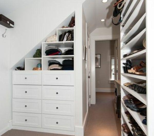 les 25 meilleures id es de la cat gorie placard sous pente. Black Bedroom Furniture Sets. Home Design Ideas