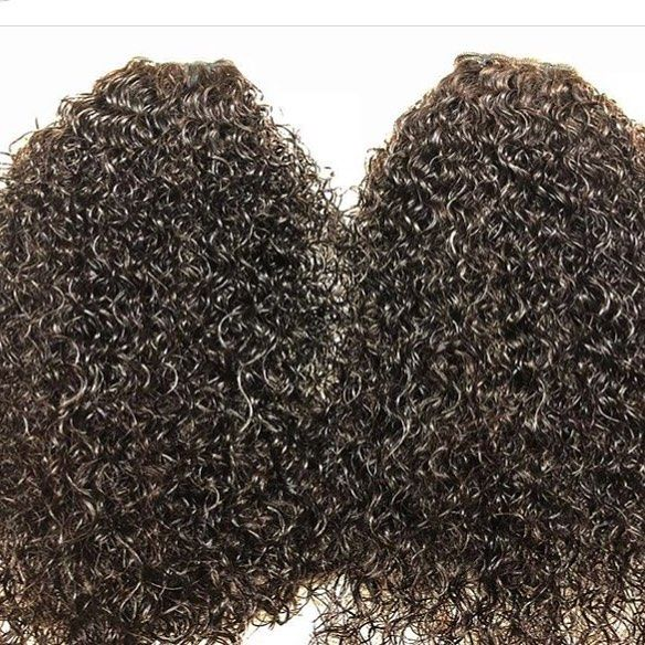Our #Signature #tight #curly #hair in full effect. This curl is tight and bouncy, it is one of our favorites. If you love a tight curly then this is the one for you ➰➰
