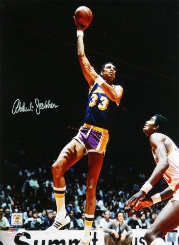 d49e098d6d2 Kareem Abdul-Jabbar Signed Los Angeles Lakers Purple Jersey Sky Hook Shot  16x20 Photo