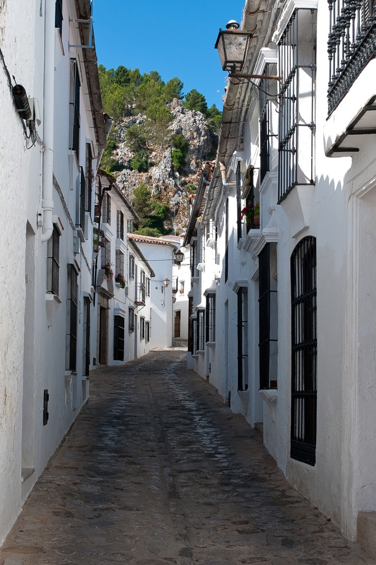 45 best ideas about Pueblos Blancos on Pinterest  The white, Amazing places ...