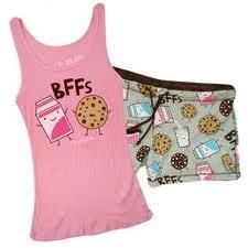 Confirmamos que la leche y las galletas son las mejores Best Friends Forever.