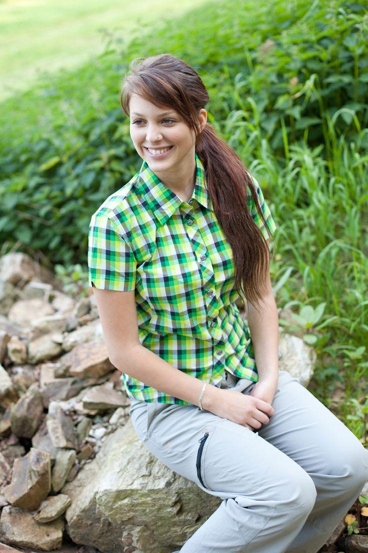 Atmungsaktive Wanderhemden & Hemdblusen für Damen.