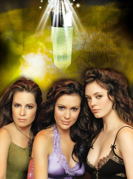 holly marie combs, alyssa milano and rose mc gowan in the tv show Charmed.......