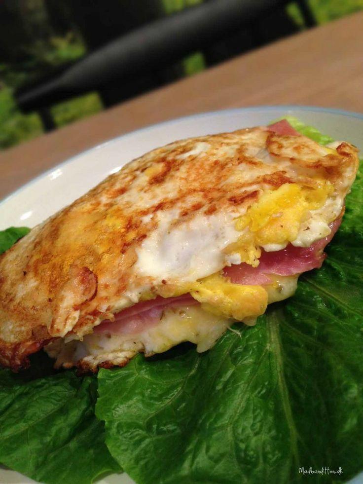 Spejlægs-toast med ost og skinke