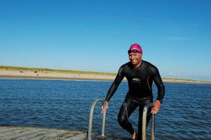 Svømmetræning ved Hvidbjerg Strand